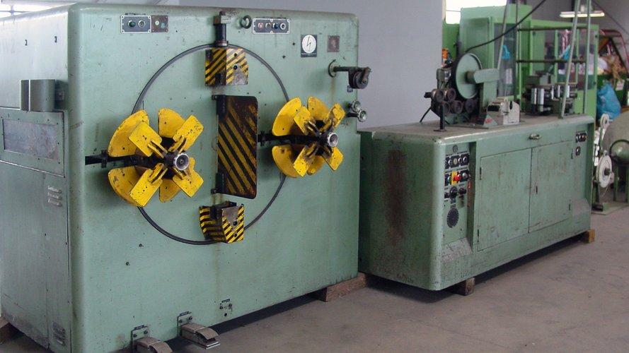 Maschine zum Wickeln von zum Beispiel Kabelringen.