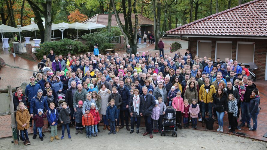 Many employee families visit the Thüle Zoo and Leisure Park to celebrate Kurre's 40th anniversary